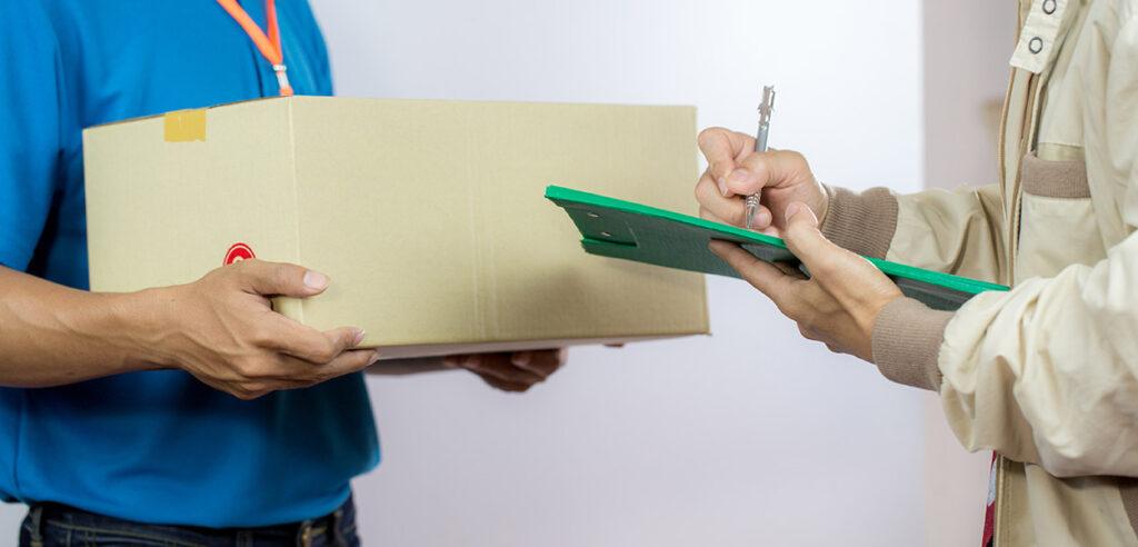 ارسال بسته با پست سفارشی